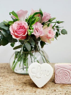 A Little Treat with Heart & Rose Cookies