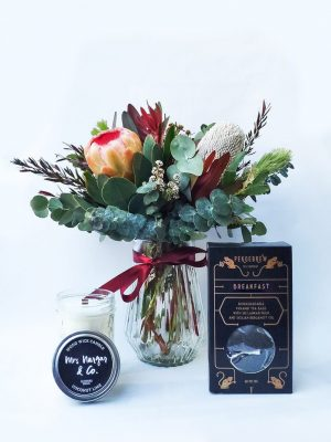 Tealightful Gift Pack with Small Natives Posy in Vase, Mrs Nargar & Co Candle & PekoeBrew Tea